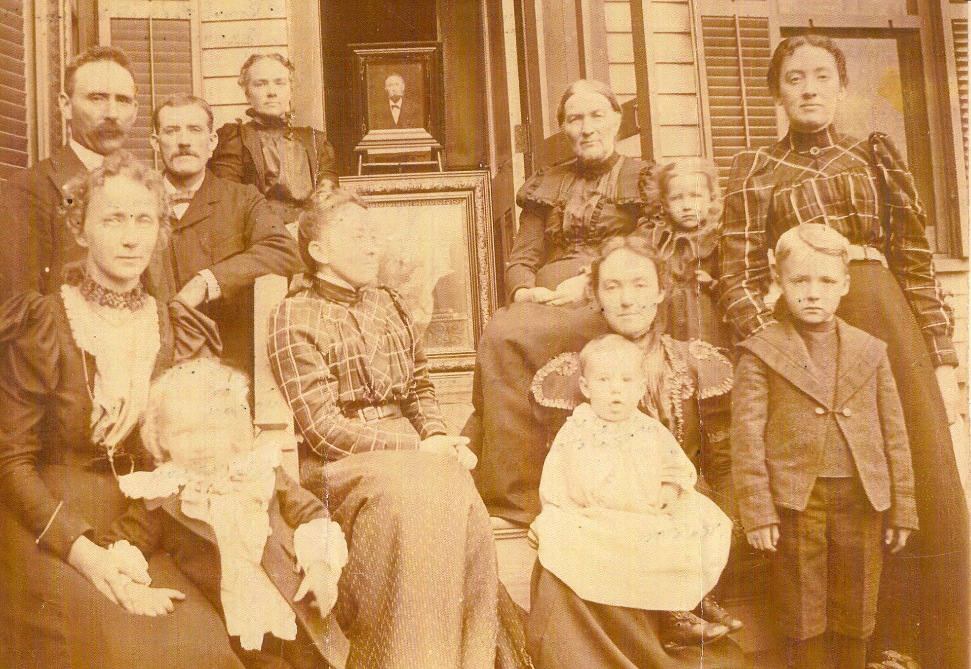 Thomas Ralston Family Group Picture about 1900